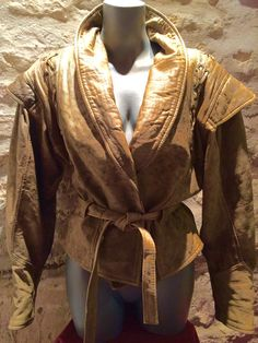 1980' worn leather jacket. Size M. by nicevintageshop on Etsy #etsyvintage