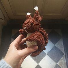 Écureuil crochet amigurumi