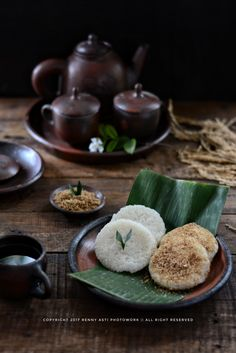 Laos Desserts, China Food, Thai Dessert, Traditional Cakes, Indonesian Food, Food Presentation, Food Plating, Asian Recipes, Food Photography