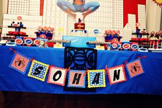 The Party Wall: Spiderman Birthday Party: Good ideas for decor