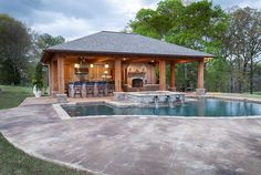 Pool House - Swimming Pools in Jackson, MS