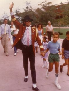and michael jackson pictures 3t Jackson, Jackson Family, Michael Jackson Bad Era, Michael Jackson Thriller, Mj Kids, The Jacksons, Lee Min Ho, My Idol, Celebrities