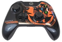 Take on The Rikers in style with this Official Tom Clancy's The Division SHD Emblem Xbox One & Controller Skin Pack. The Last Remnant, Tom Clancy The Division, Xbox One Skin, Xbox One Controller, Law And Order, Battle, Toms, Packing, City
