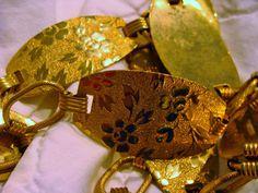 1960s Stamped gold metal swinging link belt from etsy:  VintageAngeline #1960s #chainbelt