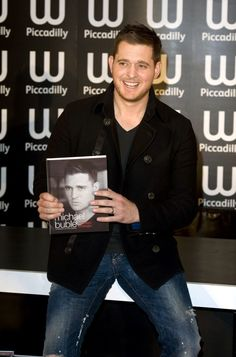 Michael Buble Photos: Michael Buble Leaves the London Studios