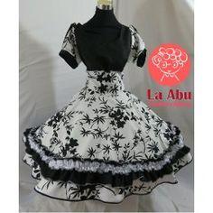 Resultado de imagen para vestidos de cueca profesionales Summer Dresses, Fashion, Folklorico Dresses, Briefs, Hillbilly, Folklore, Flower, Dressy Dresses, Dresses For Girls