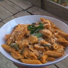 Try this super tasty roasted red pepper and cashew sauce with pasta & Parmesan cheese  #Leanin15 #Foodboner #foodporn It tastes amazing