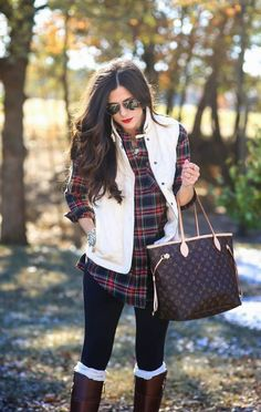 Looking for the perfect holiday outfit? Check out our holiday outfit ideas for women. Feel stylish & comfortable, be the life of the party in these fun outfits that are perfect for the holiday winter Plaid Shirt Outfits, Casual Outfits, Cute Outfits, Plaid Vest, Plaid Shirts, Shirt Vest, Plaid Flannel, Red Plaid, Vest Outfits For Women