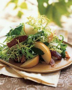 Delicious as a simple snack, Asian pears also work well with savory and sweet dishes. Its snappy texture is good with greens, prosciutto, and dates in a seasonal salad.