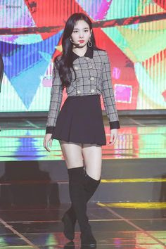 Twice Nayeon Gaon Charts Music Awards Nayeon, Stage Outfits, Kpop Outfits, Girl Outfits, Blackpink Fashion, Korean Fashion, Fashion Outfits, Cargo Pants Women, Pants For Women