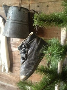 Little high button shoes make for adorable Christmas tree ornies! Fill a whole tree with them & little children's socks! Primitive Country Christmas, Primitive Christmas, Rustic Christmas, Vintage Christmas, Little Christmas, Winter Christmas, Primitive Antiques, Primitive Decor, Old Shoes