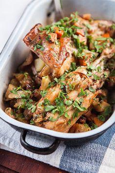 Králík: Dopřejte si ho ve třech voňavých variacích! Czech Recipes, Ethnic Recipes, Sous Vide, Meat Recipes, Ham, Curry, Food And Drink, Low Carb, Keto