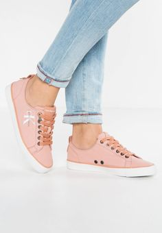 DORA - Trainers - dusk. Shoe tip:round. Lining:textile. upper material:imitation leather/ textile. shoe fastener:laces. Fabric:Canvas. Pattern:Print. Insole:textile. Padding type:Cold padding. Heel type:flat. Sole:synthetics
