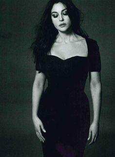 Monica Bellucci   www.facebook.com
