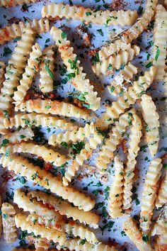 Garlic Parmesan Fries | Oh Sweet Day!
