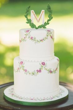 From lace designs to gorgeous cake toppers, we've found wedding cake inspiration for every bride. Check them out to find your dream wedding cake.