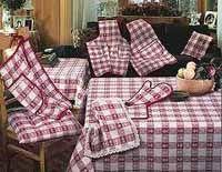 Coordinati per la casa Throw Pillows, Bed, Stuff To Buy, Home, Houses, Toss Pillows, Stream Bed, Decorative Pillows, Decor Pillows
