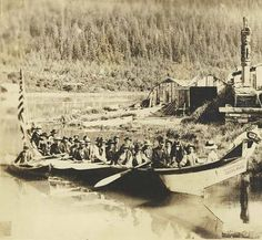 Tlingit Chief Shakes' canoe and house, Wrangell, Alaska, :: American Indians of the Pacific Northwest Native American Tribes, Native American History, Native Americans, Wrangell Alaska, Whitewater Kayaking, Canoeing, Tlingit, Canoe Trip, Native Art