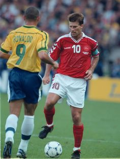Michael Laudrup v Ronaldo - World Cup 1998