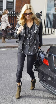 Seen on Celebrity Style Guide: Kate Moss was spotted picking up some lunch wearing the Siwy Hannah Jeans in It�s Magic in Central London