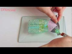 Decoupage craquelado en cristal. - YouTube Decoupage Vintage, Decoupage Paper, Paris Images, Diy Videos, Art Tutorials, Glass Bottles, Plastic Cutting Board, Stencils, Creations