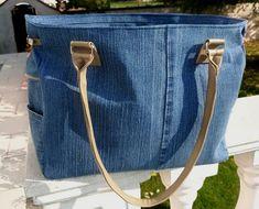Handmade denim bag spacious jeans bag plenty of space gift Denim Bag, Denim Jeans, Recycle Jeans, Unique Bags, Artificial Leather, Bag Making, Gifts For Women, Bucket Bag, Street Style