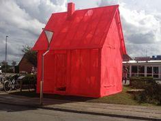 Danish knit artist Isabel Berglund often pushes the art of knitting to the limits. For her latest project she created 6 huge knit art installations. Knit Art, Art Studios, Architecture Details, Installation Art, Textile Art, Fiber Art, Crochet, Modern Art, Street Art