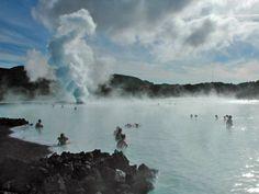 L'Islande est un pays aux multiples facettes qui se montre parfois d'une beauté glaciale et parfois aussi doux qu'une source d'eau chaude.
