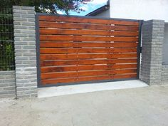 portones de madera - Buscar con Google Metal Fence Gates, Timber Gates, Wooden Gates, Wooden Gate Designs, Door Design, House Design, Outdoor Paving, Modern Fence Design, Steel Frame House