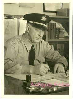 Vintage Old Photos Man POLICE OFFICER Policeman 1950's