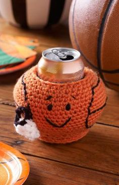 Basketball Can Cozy Crochet Pattern | Red Heart