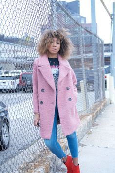 band tshirt and topshop pink oversized teddy coat Cute Casual Outfits, Pretty Outfits, Stylish Outfits, Beautiful Outfits, Tomboy Fashion, Fashion Outfits, Pink Teddy Coat, Pink Winter Coat, Boucle Coat
