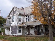 Abandoned (I think) house in Summerfield, Ohio, in Noble county.