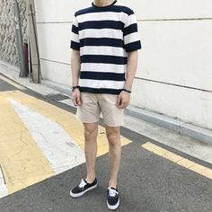 Photography Poses Man Simple 34 Ideas For 2019 Korean Fashion Men, Mens Fashion, Fashion Wear, Style Fashion, Vans Outfit Men, Stylish Mens Outfits, Casual Outfits, Korean Outfits, Mens Clothing Styles