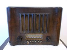 Free Shipping RCA Victor Tube Radio Model by TroysCollectibles