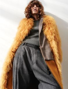 New Fashion Vogue Photoshoot Ideas Fashion Poses, Fashion Shoot, Look Fashion, Editorial Fashion, Trendy Fashion, High Fashion, Womens Fashion, Fashion Design, Fashion Trends