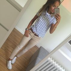 Et ben fais pas chaud ce matin! Vivement les 30 degrés annoncés pour ce we! Bonne journée les filles #ootd#lookoftheday#dailylook#dailyig#igers#igfashion#fashionpost#fashiondiaries#whatiwore#metoday#stripes jean/tee-shirt#zara #converse#converseallstar