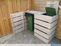 Amazing Shed Plans - Für Wasserkisten Mehr - Now You Can Build ANY Shed In A Weekend Even If You've Zero Woodworking Experience! Start building amazing sheds the easier way with a collection of shed plans! Pallet Crafts, Pallet Projects, Home Projects, Pallet Ideas, Crate Ideas, Wooden Crafts, Garden Projects, Old Pallets, Wooden Pallets