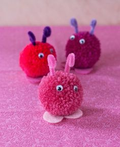 DIY: Pompom Love Bugs for Valentine's Day | http://adventures-in-making.com/diy-pompom-love-bugs-for-valentines-day/
