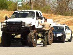 Sorry officer, I can't hear you. That looks like Mr. Cool Trucks, Big Trucks, Atv Car, Ford Girl, Cars Usa, Jeep Truck, Diesel Trucks, Sexy Cars, Lifted Trucks