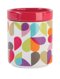 Our Brokenhearted Stackable Storage Jar will fit a modern or traditional kitchen. Our eclectic range of contemporary design and modern graphics combine to create a highly individual or coordinating look, whatever your style preferences are. This storage jar lid is red and you get 3 jars which are all stackable.Each Jar Measures 12.5 x 9.5 x 9.5cmEach Jar weighs 719g.Jars can be stacked3 jars in a set.Brokenhearted DesignRed LidOther matching items available.
