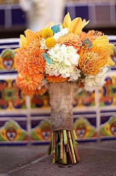 orange, white and blue flowers! So pretty