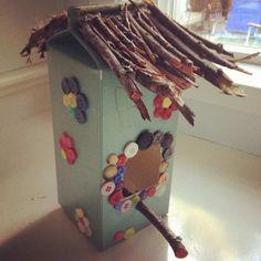 Bird Feeder Craft Kit - Bird Feeder Craft Kit Imágenes efectivas que le proporcionamos sobre diy Una imagen de alta calidad - Recycled Crafts Kids, Diy Crafts For Kids, Arts And Crafts, Bird Feeder Craft, Bird Feeders, Craft Stick Crafts, Craft Kits, Bird House Kits, Bird Houses Diy