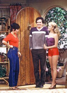 Joyce Dewitt, Richard Kline and Shell Kepler from Three's Company Classic Tv, Classic Movies, 70s Sitcoms, John Ritter, Top Tv Shows, Three's Company, 20th Century Fashion, 90s Cartoons, Vintage Tv