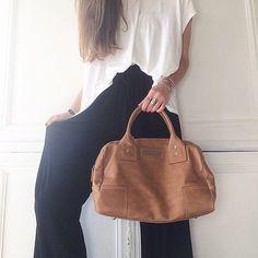 Hello Monday :)  Ce sac ! 🖤  • Helios #cliogoldbrenner on Shopnextdoor.fr   #bag #bagaddict #ootd #shopnextdoor #onlineshop #new