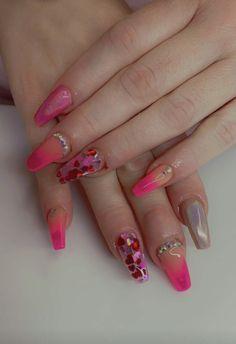 #coffinnails #nailtrends #calinails #nailsonfleek #prettynails #acrylicnails #ombrenails #blingnails #glowinthedark #chromenails #valentinenails Coffin Nails, Acrylic Nails, Dark Ombre, Pretty Nail Designs, Chrome Nails, Bling Nails, Nail Trends, Nails On Fleek, Pretty Nails