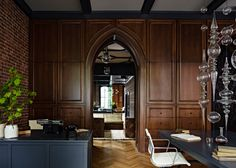 Jessica Helgerson Interior Design interior design (wall paneling, vintage, exposed brick)