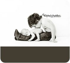 I like this but baby should be turned. Looks like big brother is sniffing his butt. unique newborn with sibling photography ideas. Sibling Photos, Newborn Pictures, Baby Pictures, Baby Photos, Family Photos, Newborn Sibling, Foto Newborn, Newborn Poses, Newborns