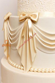 Decorar tortas con guirnaldas. Que lo disfruten! (How to decorare cakes with…