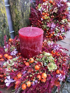 Candle Arrangements, Floral Arrangements, Christmas Door Wreaths, Christmas Decorations, Lavender Wreath, Deco Floral, Autumn Crafts, Deco Table, Fall Flowers